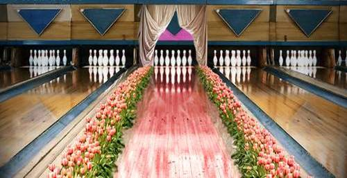 Women's bowling lane
